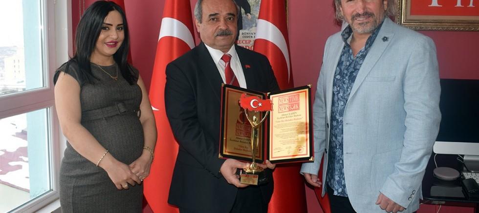 Başkan Ahmet Şahin'e 'Yılın İlçe Belediye Başkanı' ödülü