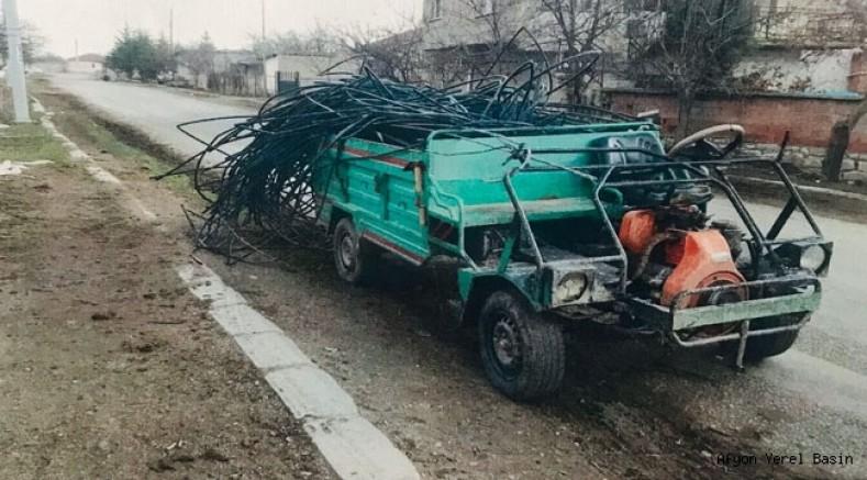 Elektrik direğine ait demir malzemeleri çalan şahıs yakalandı